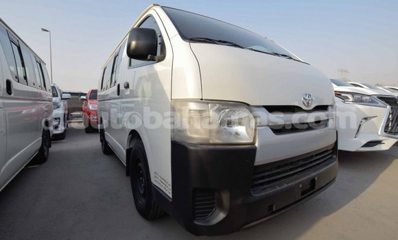 Medium with watermark toyota hiace abaco import dubai 1283