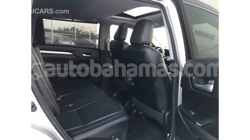 Big with watermark toyota highlander abaco import dubai 1360